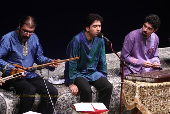 کنسرت محمد معتمدی با همراهی گروه همنوازان مهر،تالار وحدت